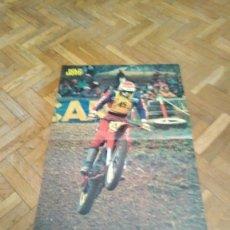 Coches y Motocicletas: POSTER REVISTA SOLO MOTO ACTUAL AÑO 1976. PIERRE KARSMAKERS. HONDA. MEDIDAS 30X45 APROX.. Lote 194131561