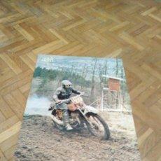 Coches y Motocicletas: POSTER REVISTA SOLO MOTO ACTUAL AÑO 1976. ALAIN KULIGOWSKI. BULTACO. MEDIDAS 30X45 ARPOX.. Lote 194131892