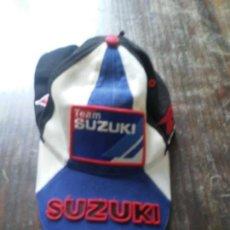 Coches y Motocicletas: GORRA TEAM SUZUKI MOTO GP. Lote 165714030