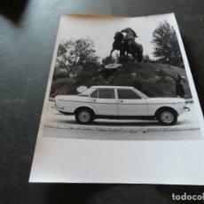 Coches y Motocicletas: FOTOGRAFIA ORIGINAL DE EPOCA SEAT 132 . Lote 177294360