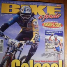 Coches y Motocicletas: REVISTA BIKE A FONDO - Nº 77 - SEPTIEMBRE 1998 - CON POSTER. Lote 194710266