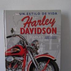 Coches y Motocicletas: ¡¡ HARLEY - DAVIDSON !! UN ESTILO DE VIDA. Y ¡ HARLEY -DAVIDSON ! 2 LIBROS.. Lote 197077268
