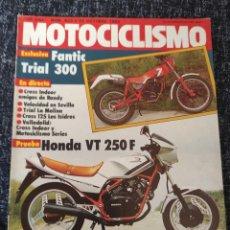 Coches y Motocicletas: MOTOCICLISMO Nº 823 AÑO 1983. PRUEBA: HONDA VT 250 F. FANTIC TRIAL 300. Lote 278623248