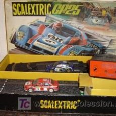 Scalextric: SCALEXTRIS Y 2 COCHES. Lote 4660337