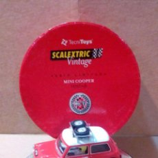 Scalextric: C-45 MINI COOPER 1275S VINTAGE CON REGALO DECORACIÓN EXIN SCALEXTRIC SCX TRIANG TECNITOYS SRC. Lote 53669287