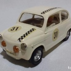 Scalextric: SEAT 600 BLANCO COLOR CHASIS = CARROCERIA EXIN CF-TC (1966) C44. Lote 97992419