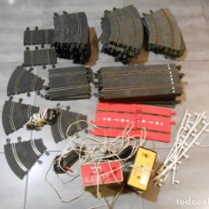 Scalextric: LOTAZO PISTAS SCALEXTRIC TRANSFORMADOR MANDOS RECTAS CUÑAS CURVAS SLOT ESCALEXTRIC CIRCUITO PISTA. Lote 109360355