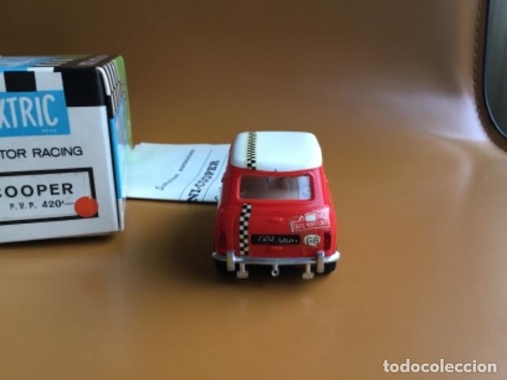 Scalextric: SCALEXTRIC EXIN. MINI COOPER ROJO CLARO . Con caja e instrucciones . Casco abierto. Muy bueno. - Foto 5 - 122192323