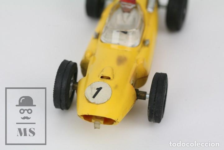 Scalextric: Coche Scalextric / Triang - Cooper Fórmula 1 - Amarillo - Años 60-70 - Piezas o Restauración - Foto 2 - 121340859