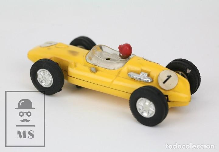 Scalextric: Coche Scalextric / Triang - Cooper Fórmula 1 - Amarillo - Años 60-70 - Piezas o Restauración - Foto 4 - 121340859