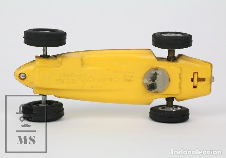Scalextric: Coche Scalextric / Triang - Cooper Fórmula 1 - Amarillo - Años 60-70 - Piezas o Restauración - Foto 7 - 121340859
