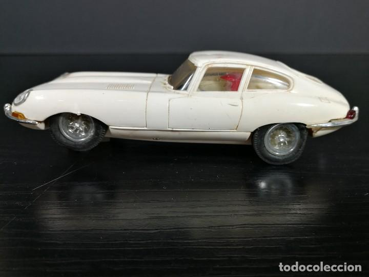 Scalextric: JAGUAR E ENIX BLANCO REF C- 34 SCALEXTRIC, MADE IN SPAIN, ORIGINAL DE EPOCA, BUEN ESTADO - Foto 6 - 127226523