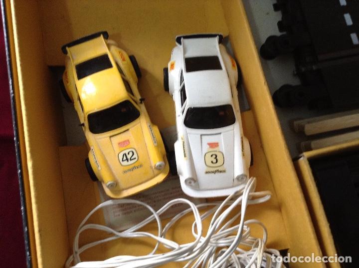 Scalextric: Circuito scalextric r c 28 exin con los dos coches - Foto 3 - 132456270