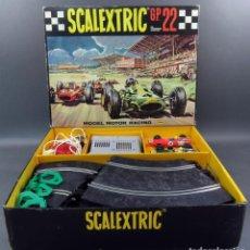 Scalextric: CAJA GP 22 TRIANG SCALEXTRIC EXIN DOS BRM ROJO Y VERDE DOCUMENTACIÓN CAJA 1ª SERIE 1968. Lote 140724922