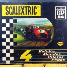 Scalextric: CAJA GP 84 SCALEXTRIC EXIN TRIANG AÑOS 70 SIN COCHES PISTAS PUENTE VALLAS PERALTES . Lote 140728410