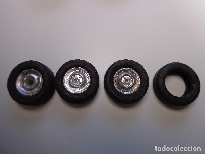 Scalextric: LOTE 6 NEUMÁTICOS COOPER Y V6 PERFECTOS Y 4 RUEDAS SEAT 600 TODO ORIGINAL SCALEXTRIC EXIN AÑOS 1960 - Foto 4 - 156241730