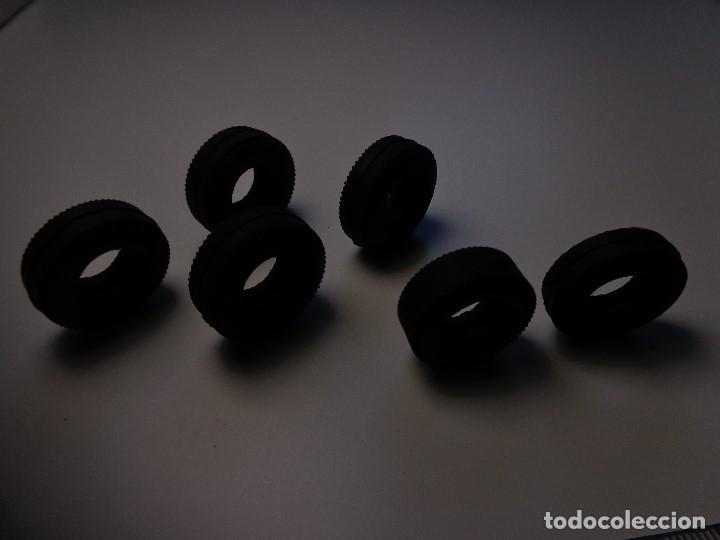Scalextric: LOTE 6 NEUMÁTICOS COOPER Y V6 PERFECTOS Y 4 RUEDAS SEAT 600 TODO ORIGINAL SCALEXTRIC EXIN AÑOS 1960 - Foto 8 - 156241730