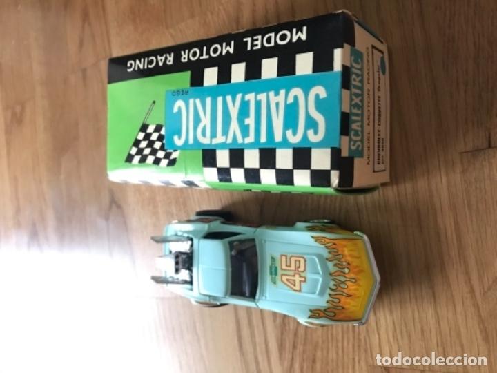 COCHE SCALEXTRIC CON PAPELES CHEVROLET CORVETTE DE EXIN REF.-4050 (Juguetes - Slot Cars - Scalextric Exin)