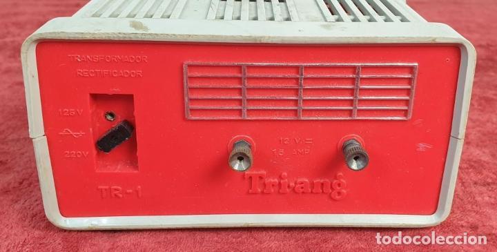 Scalextric: 2 COCHES SCALEXTRIC. TRIANG TC-600. ACCESORIOS. TRANSFORMADOR Y 4 MANDOS. AÑOS 70. - Foto 2 - 192869883