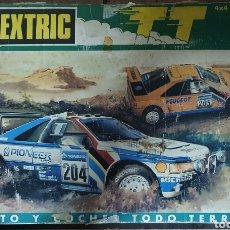 Scalextric: SCALEXTRIC CIRCUITO Y COCHE TODO TERRENO PARIS-DAKAR 4X4 RACING SYSTEM PEUGEOT 405 EN SU CAJA. Lote 195805595
