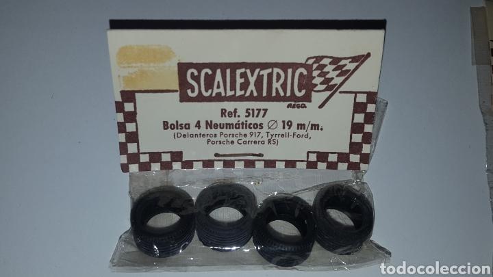 Scalextric: Lote con dos bolsas de 4 neumaticos Ref. 5177 y 5178 - 19 mm y 20 mm - Posche 917, Carrera S Lancia - Foto 4 - 212645956