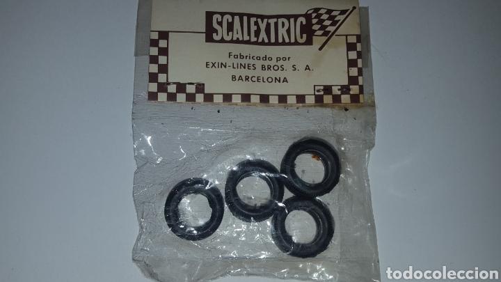 Scalextric: Lote con dos bolsas de 4 neumaticos Ref. 5177 y 5178 - 19 mm y 20 mm - Posche 917, Carrera S Lancia - Foto 5 - 212645956