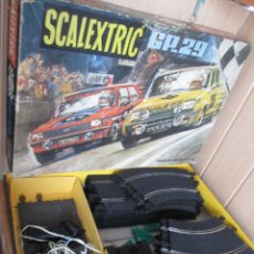 Scalextric: SCALEXTRIC : ANTIGUA CAJA GP -29 ( SIN LOS COCHES RENAULT Y FORD FIESTA ). Lote 213448531