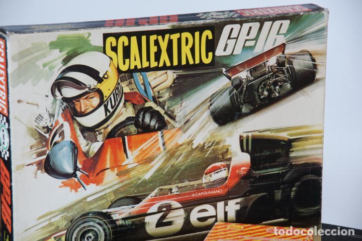 Scalextric: Scalextric GP-16. 3 coches + 2 mandos + 17 pistas + fuente de alimentación + caja bien conservada. - Foto 5 - 230688090