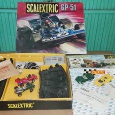Scalextric: LOTE DE SCALEXTRIC GP 51 EXIN CON CUATRO COCHES, PISTAS, CUENTA VUELTAS, ETC.... Lote 276498863