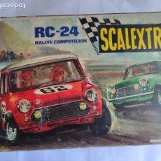 Scalextric: SCALEXTRIC EXIN CAJA DEL EQUIPO RC 24, LA DE LOS MINIS. TODO LO DE LAS FOTOS. Lote 294083058