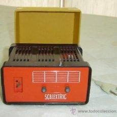 Scalextric: TRANSFORMADOR RECTIFICADOR SCALEXTRIC TR-1 125V-220V-12V 1,5 AMP. MEDIDAS 15*8*12 CMS. AÑO 1972. Lote 29048587