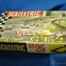 Scalextric: SCALEXTRIC GT25 AÑO 1968 - CAJA ORIGINAL CON 3 COCHES, 4 MANDOS, MANUALES, TRANSFORMADOR, PISTAS. Lote 46968834