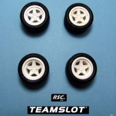 Scalextric: TEAM SLOT 1:32 LANCIA STRATOS 4 LLANTAS BLANCAS + 4 NEUMATICOS 2 DELANTERAS + 2 TRASERAS - FERRARI. Lote 58275296