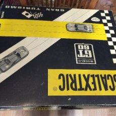 Scalextric: ANTIGUO SCALEXTRIC GT 60 GRAN TURISMO - CON UN COCHE MERCEDES 250 SL - Y UN BMR REF C 37, AÑO 1967 -. Lote 58468124