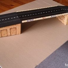 Scalextric - PUENTE SCALEXTRIC TRIANG TIPO RUBBER MM/T25 - 64017843