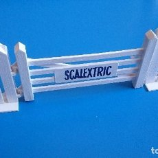 Scalextric: PUERTA ENTRADA SCALEXTRIC TRI-ANG A/226. Lote 120838411
