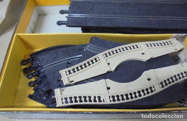 Scalextric: CAJA DE SCALEXTRIC GP-26 CON ALGUNAS PIEZAS. LAS DE LA FOTOS. VER - Foto 3 - 103919855