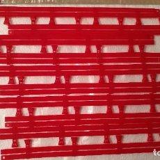 Scalextric: LOTE DE 10 VALLAS ROJAS DOBLES SCALEXTRIC...SLOT. Lote 104350019