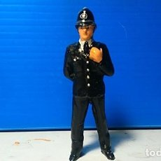 Scalextric: FIGURA POLICIA INGLES 1/32. Lote 114365279