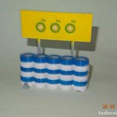 Scalextric: ANTIGUA BARRERA DE NEUMÁTICOS CON PUBLICIDAD BP DE SCALEXTRIC DEL AÑO 2000. Lote 116706223