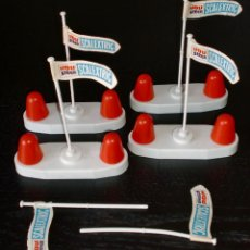 Scalextric: LOTE SCALEXTRIC: 4 OBSTÁCULOS Y BANDERAS ORIGINALES TRIANG MADE IN UK - VINTAGE. Lote 120573139