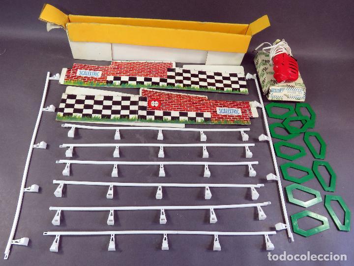 LOTE SCALEXTRIC EXIN CON VALLAS PERALTES MANDO CAJA CARTÓN VER FOTOS AÑOS 70 (Juguetes - Slot Cars - Scalextric Pistas y Accesorios)