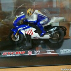 Scalextric: BYCMO MOTO SLOT + MANDO YAMAHA YZR-M1 VALENTINO ROSSI. Lote 244688495