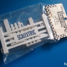 Scalextric: PUERTA VALLA SCALEXTRIC TRI-ANG A/226 UK. Lote 161811990