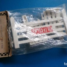 Scalextric: PUERTA VALLA SCALEXTRIC TRI-ANG A/226 FR. Lote 161812090