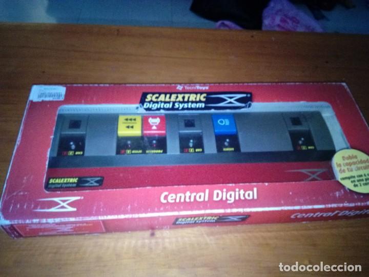 SCALEXTRIC. DIGITAL SYSTEM. CENTRAL DIGITAL. REF. 2009. PARA CONECTAR 2 CENTRALES... NUEVO PRECINTAD (Juguetes - Slot Cars - Scalextric Pistas y Accesorios)