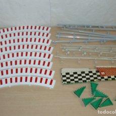Scalextric: SCALEXTRIC LOTE 8 BORDES EXT CURVA STANDAR + 12 VALLAS + 7 CUÑAS PERALTE + ELEVADOR PISTA EXIN SLOT . Lote 174259087