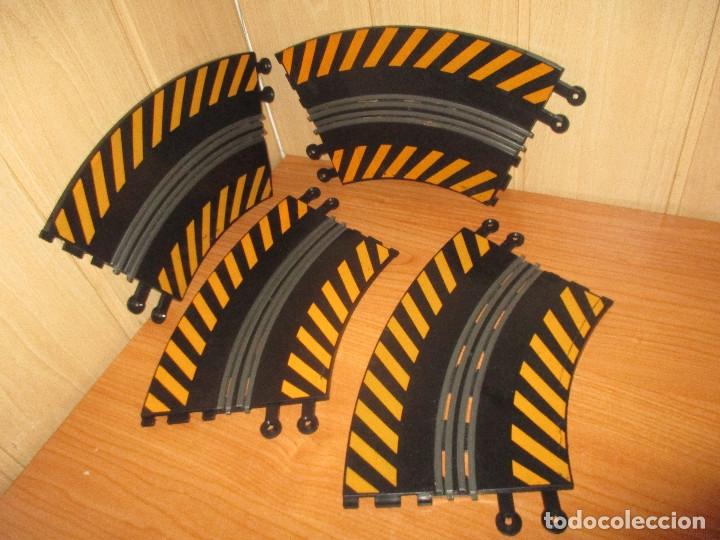 SCALEXTRIC : LOTE DE 4 TRAMOS DE PISTAS CURVAS (Juguetes - Slot Cars - Scalextric Pistas y Accesorios)