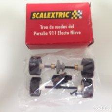 Scalextric: SLOT,PORSCHE 911, EFECTO NIEVE, TREN DE RUEDAS COMPLETO + GUIA COMPLETA. Lote 175089694