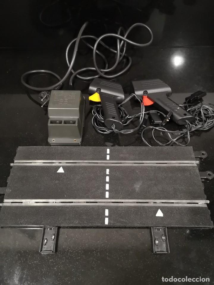 LOTE SCALEXTRIC PISTA RECTA CONEXIONES + TRANSFORMADOR + MANDOS. REF. PT/3060. FUNCIONANDO. (Juguetes - Slot Cars - Scalextric Pistas y Accesorios)